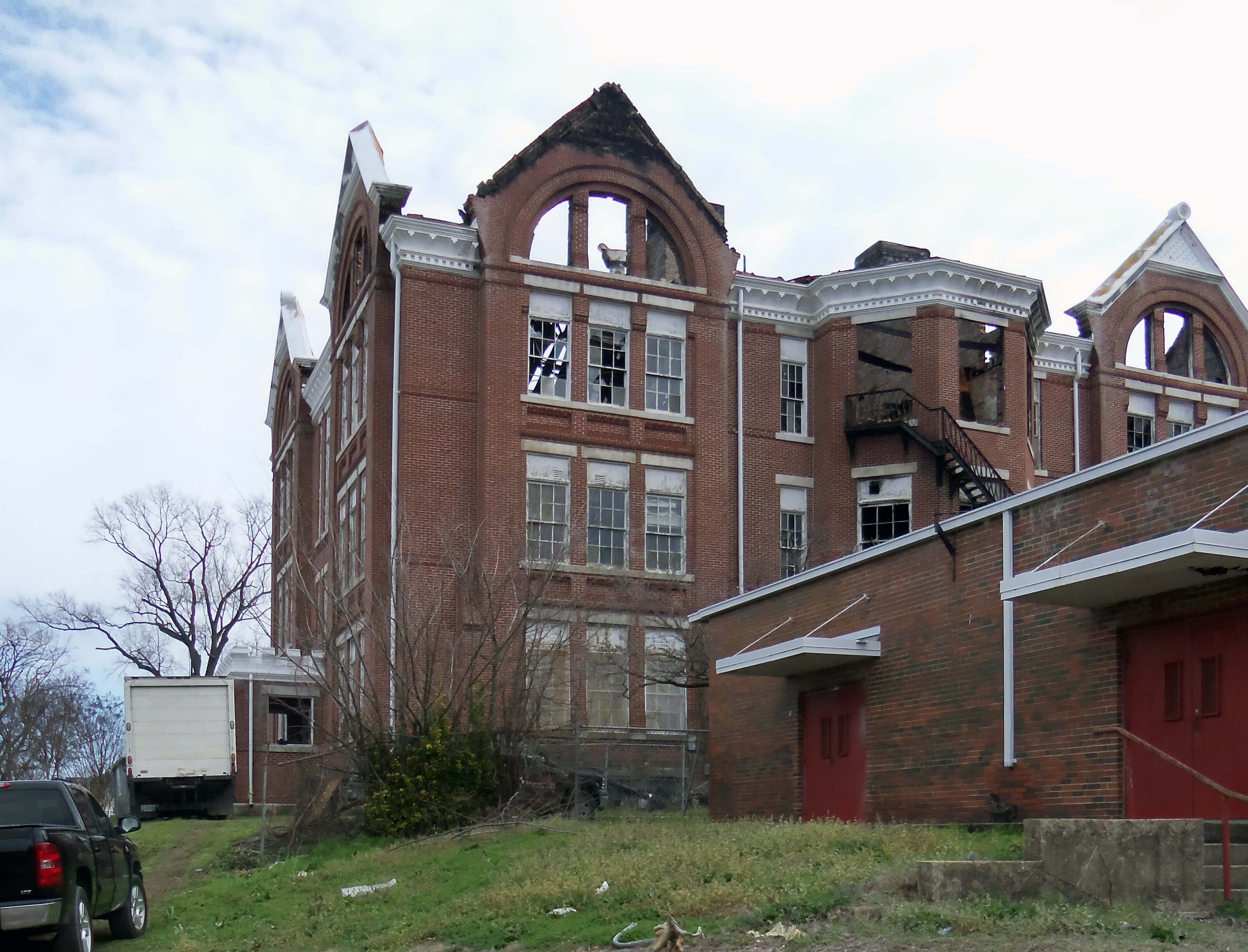 Image of Powell School post fire where One Stop Environmental performed debris removal.